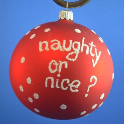 "Home-Glob pictat \""naughty or nice?\\"""